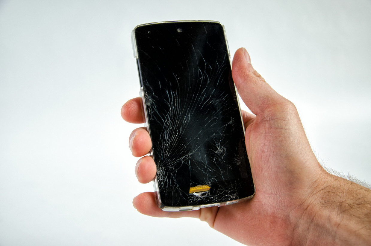 Newly discovered polymer could make shattered screens a thing of the past