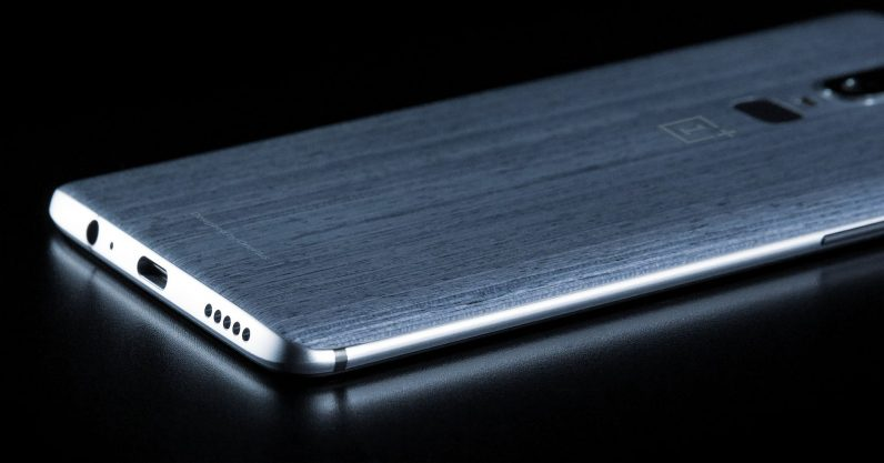 OnePlus 6 leak shows off wooden back and headphone jack