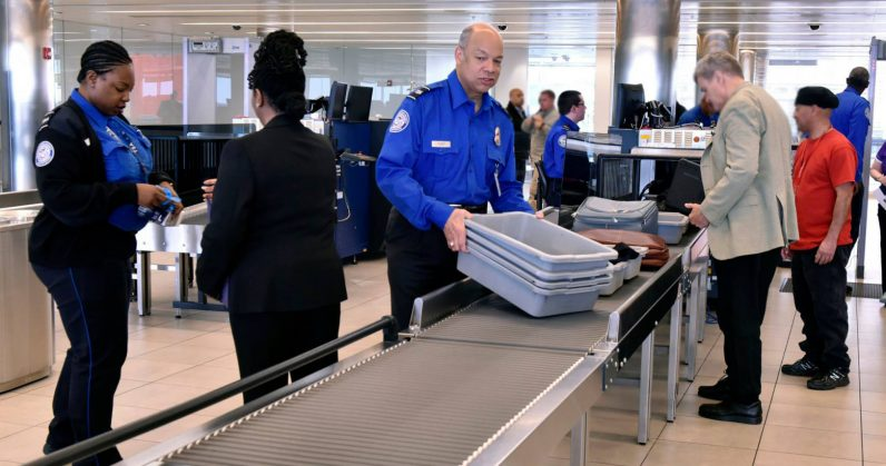 Lawsuit alleges TSA illegally searches mobile devices on domestic flights