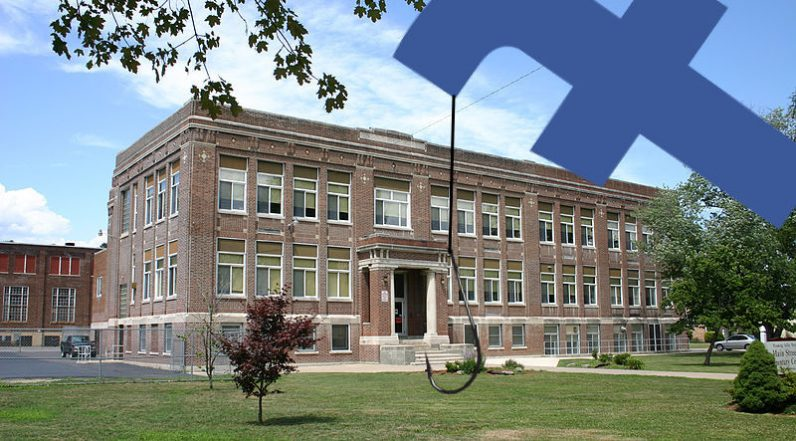 Facebook trials 'High School Networks' for Messenger – what could go wrong there?