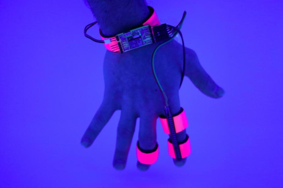 MIT wants to control your dreams with a glove