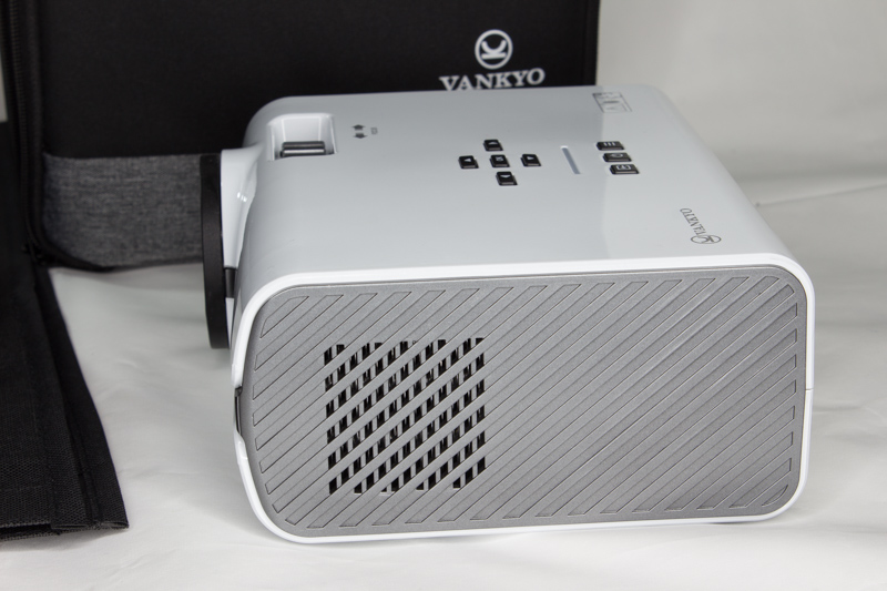 Vankyo's Leisure 410 LED projector is bright, brilliant, and budget