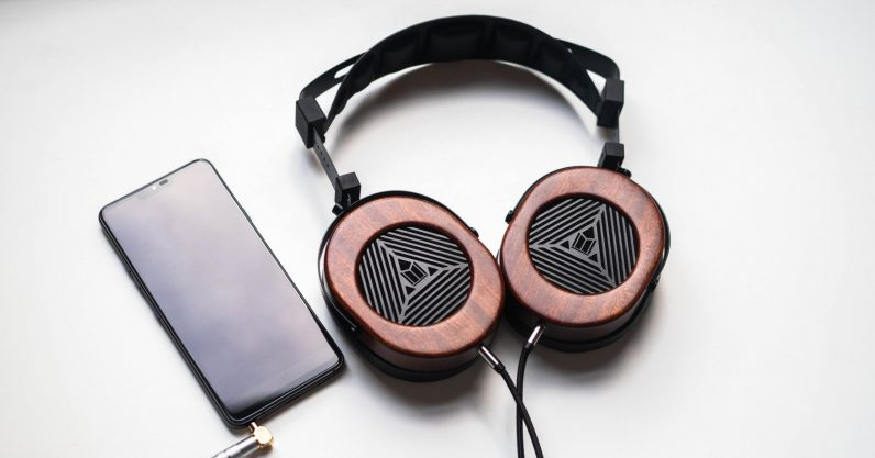 Monoprice M565 more 1 of 1 796x417 - Review: Monoprice's M565 is a $200 gateway to planar magnetic headphones
