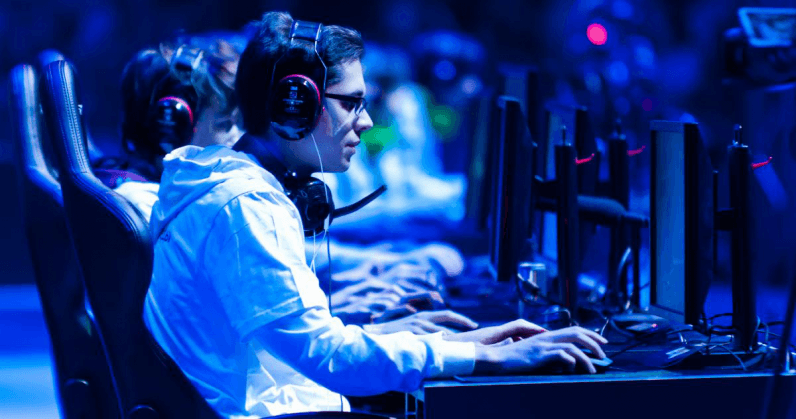 Hitting the gym makes esports athletes more successful