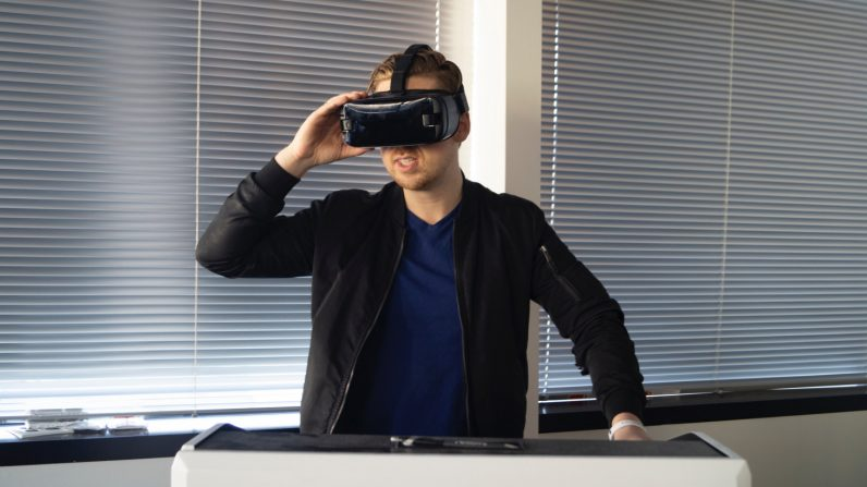 12 creative virtual reality uses businesses should consider