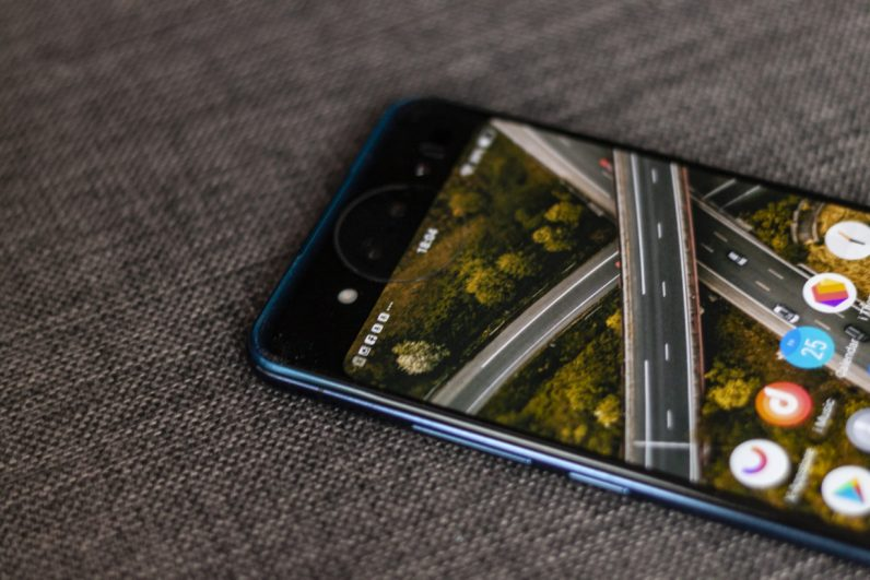 The Nex Dual Display Edition features a tri-camera system, as well as a circular light that protrudes from the screen