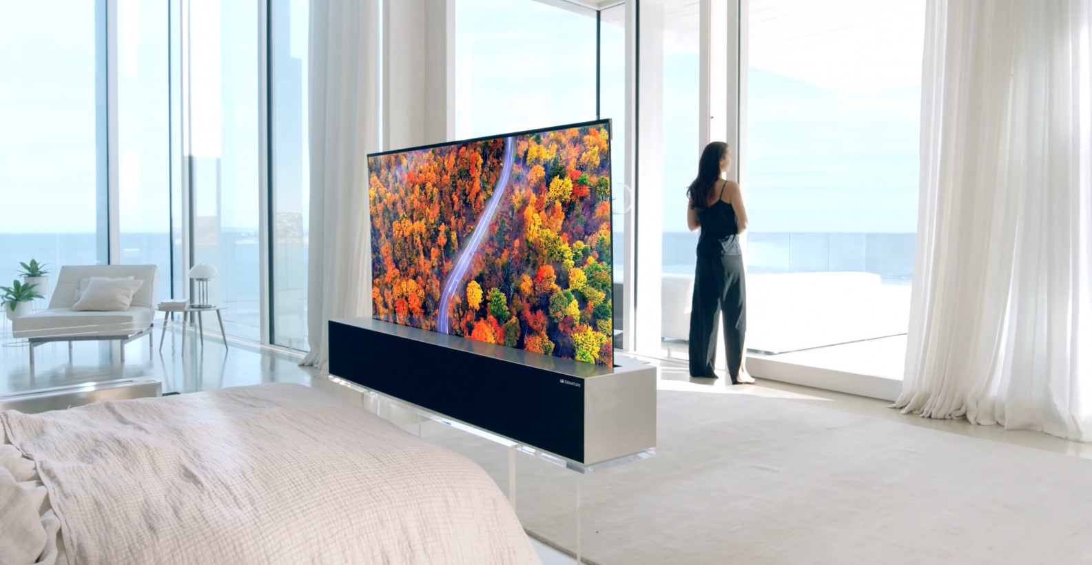 Lg S Amazing Roll Up Tv Is Now The Real Deal And It Goes On Sale This Spring