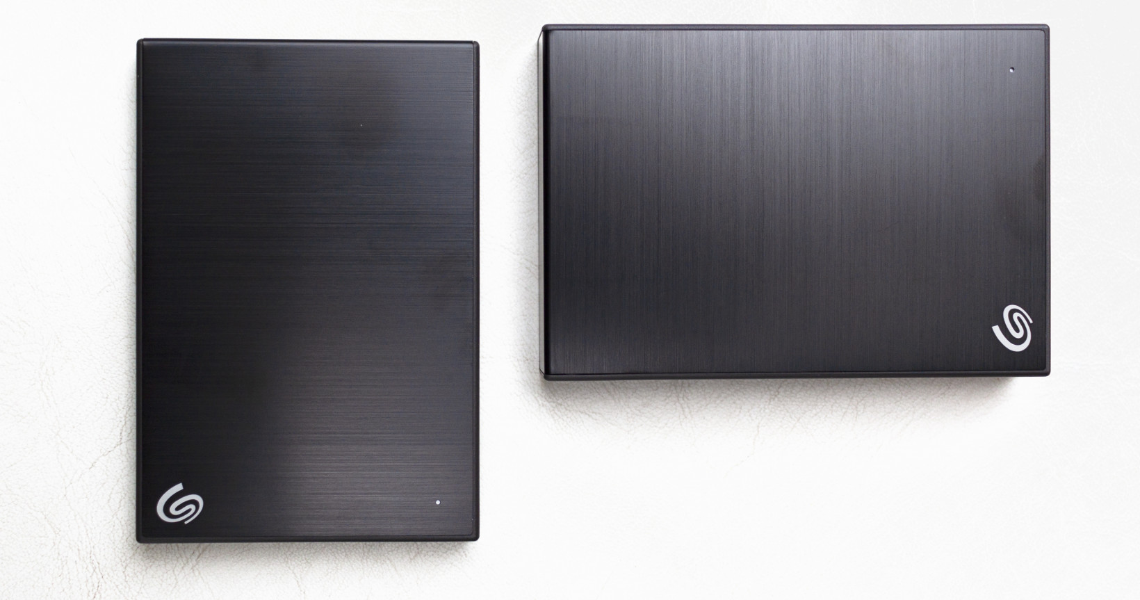 The 5TB model (left) is unfortunately far slower with write speeds than the slim 2TB model (right)