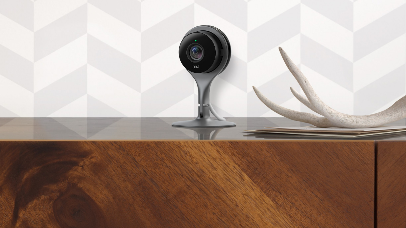 Previous owner of a Nest Cam can spy on new users