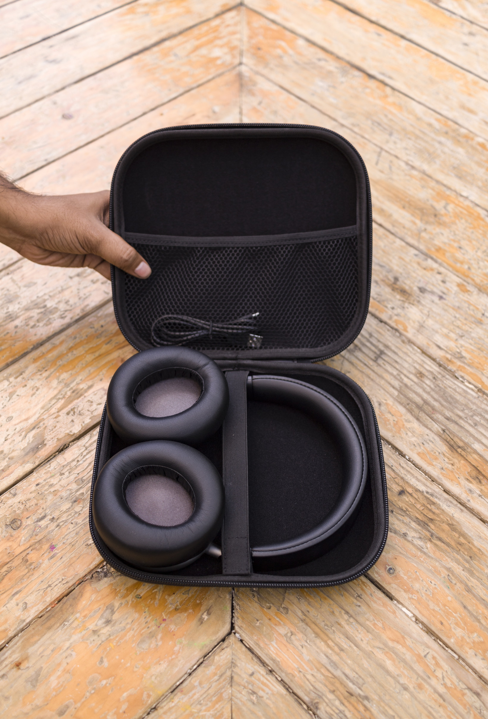 The Soundsurge 46 Headphones come with a solid case
