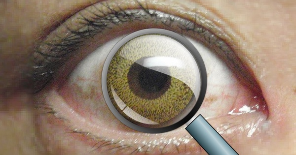 A contact lens has been created that zooms in when you blink