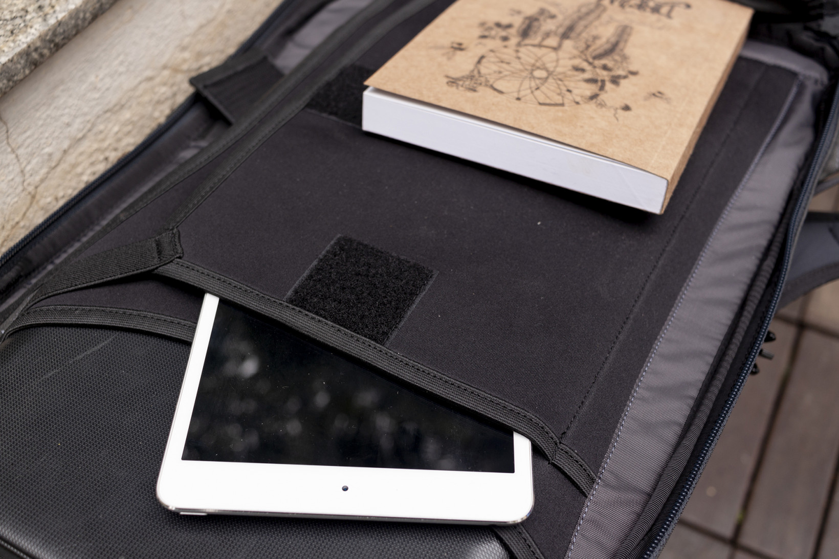 The Minaal Daily has two shock-proof sections for your laptop and tablet
