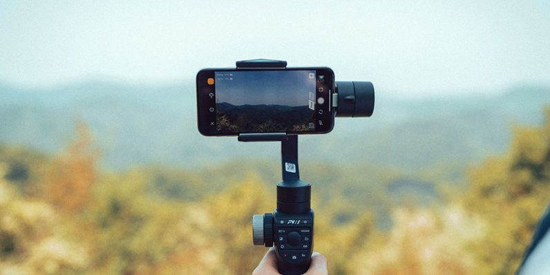 This $150 gimbal turns jittery smartphone video into pro-caliber footage