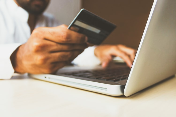 3 ways e-commerce sellers can improve ROI in 2020 with data analytics
