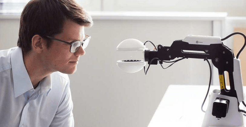 This 'Ultrasonic gripper' lets robots move things without touching them