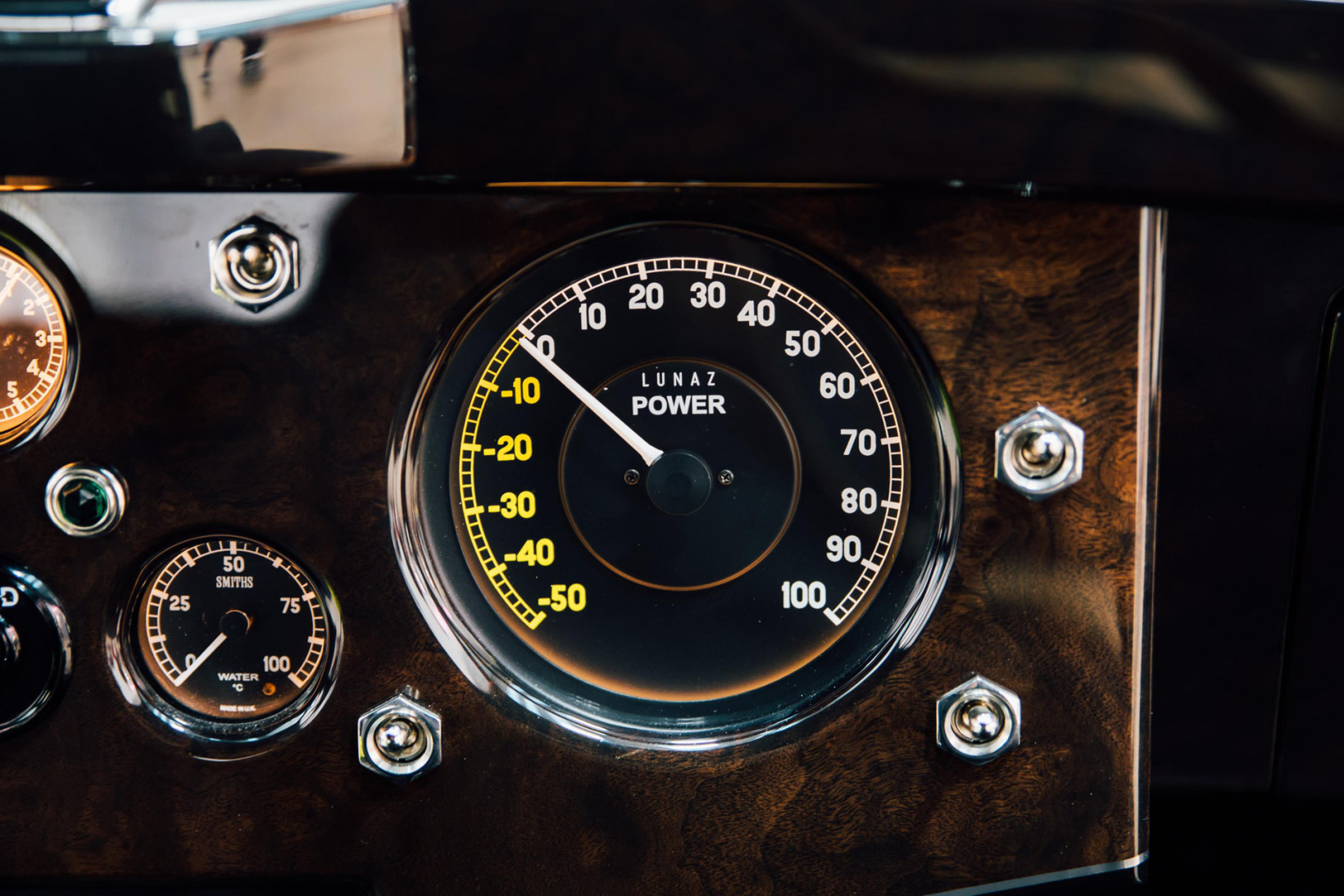 lunaz, xk120, jaguar, regenerative, braking, dial