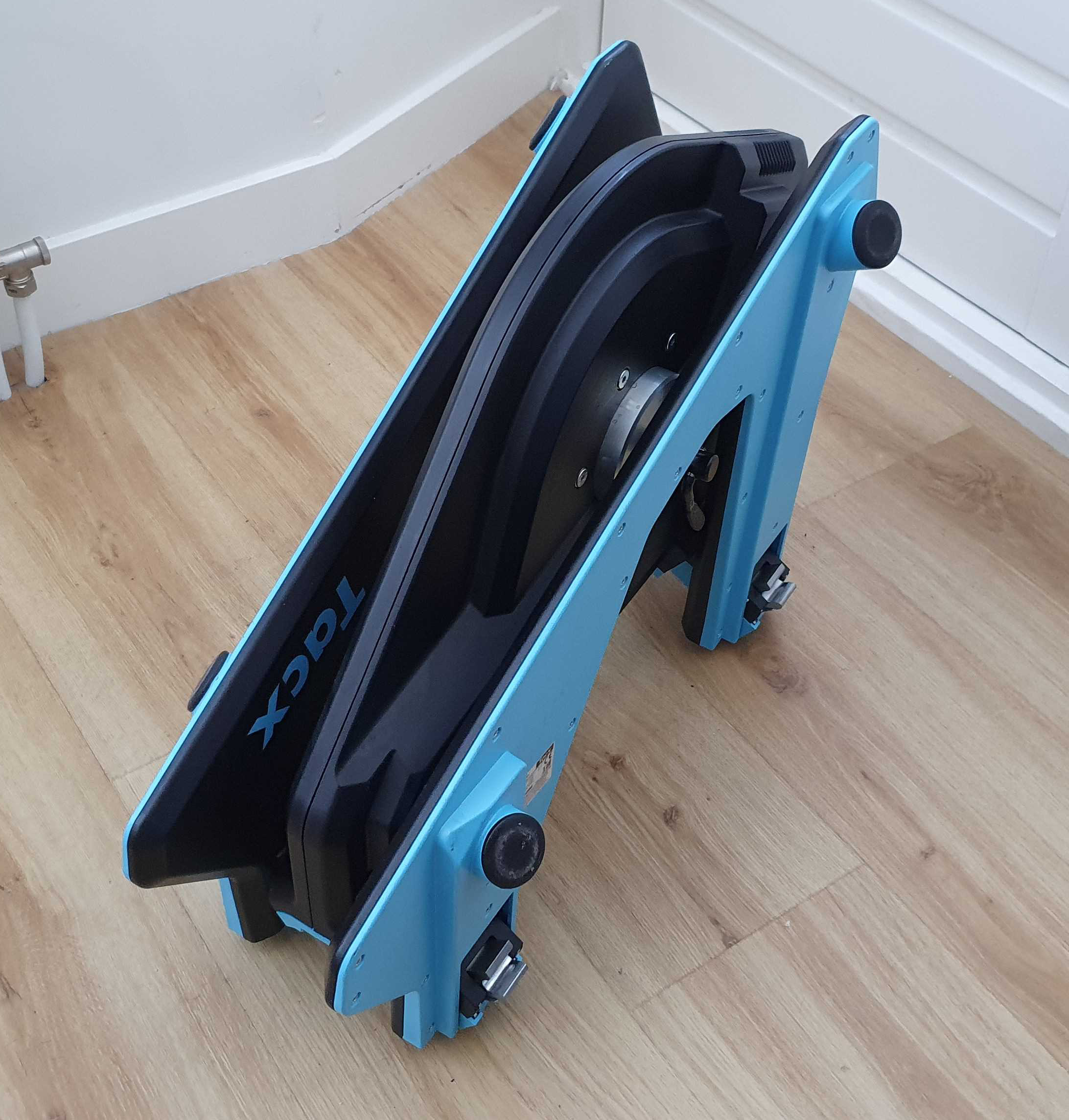 Tacx Neo, handle, carry, storage