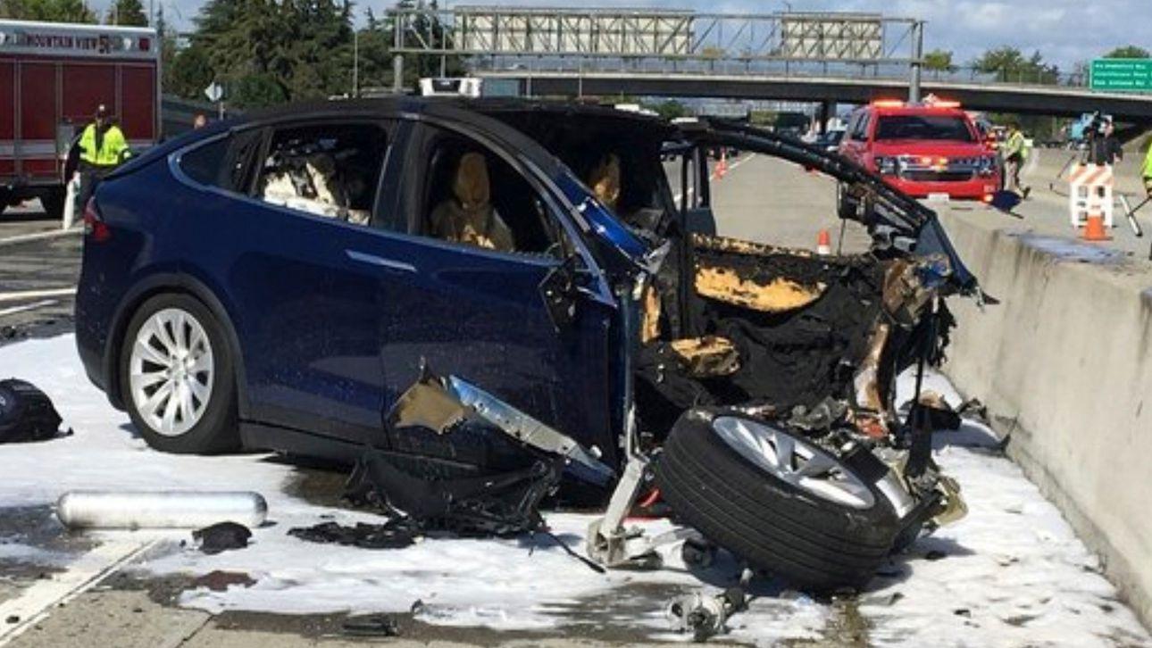huang, Tesla, Model X, crash, impact