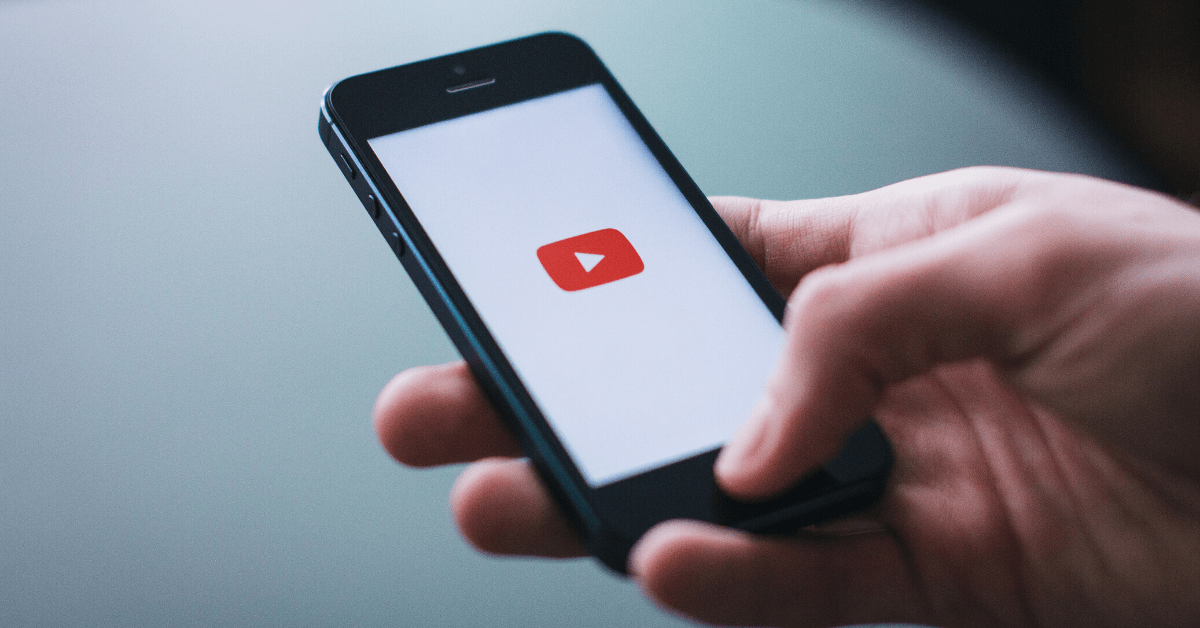 YouTube now lets creators respond to comments with AI-generated smart replies