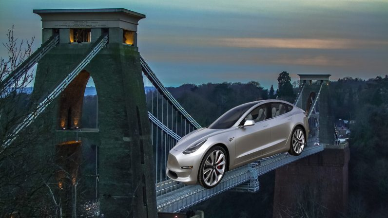 Musk visits the UK, stoking rumors of a British Tesla 'Gigafactory'