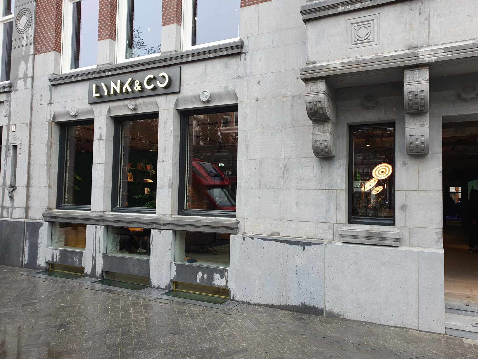 Lynk & Co., Halo, store, dam square rokin