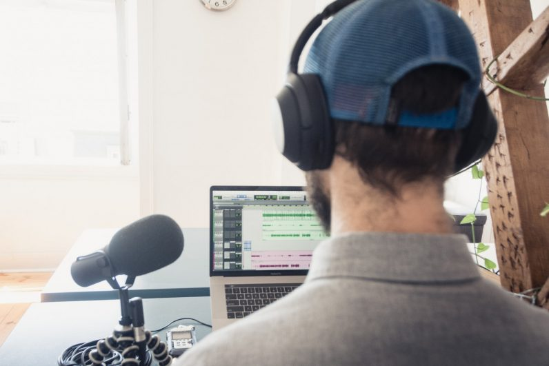 2021 can be the year your podcasting dreams truly take off with this step-by-step training
