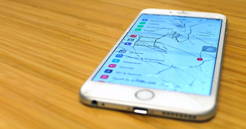 Apple is screwing you by making third-party repairs hard and expensive