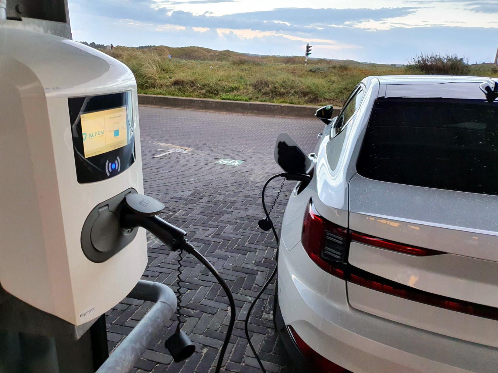 charging, EV, polestar 2, electric, car