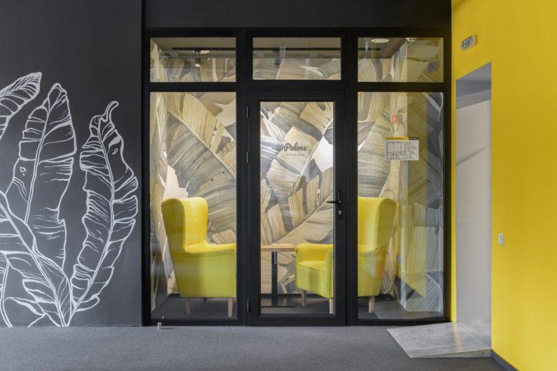 mural meeting room