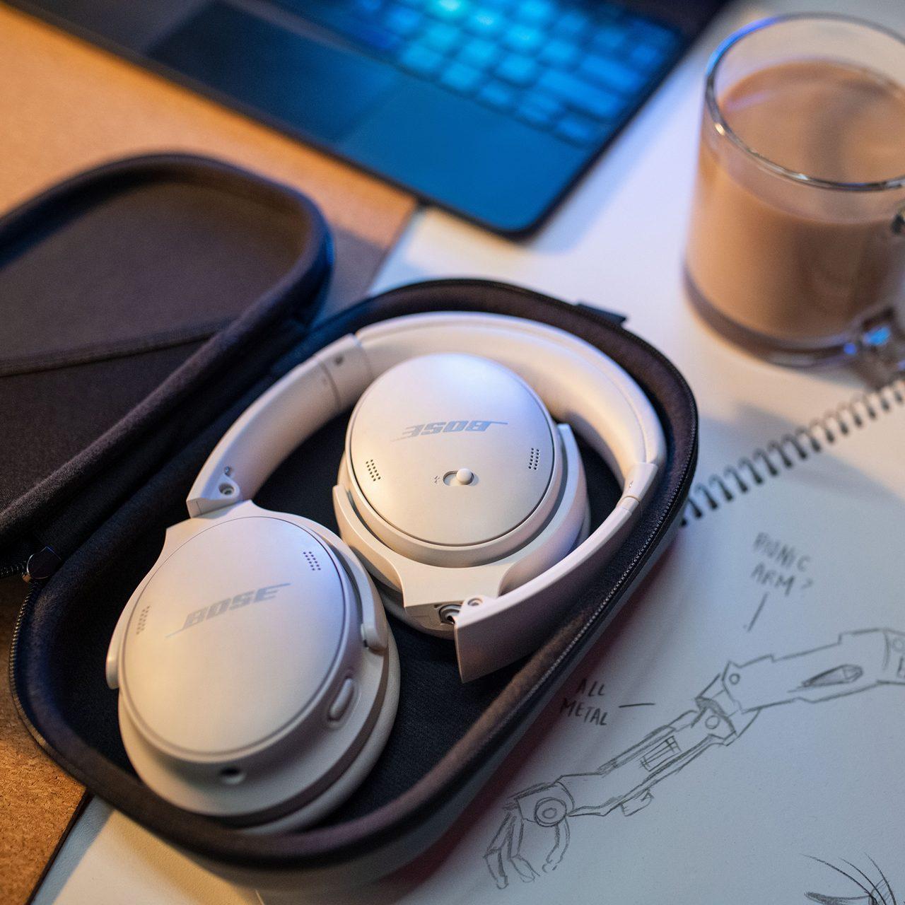 Bose's QuietComfort 45 headphones cancel more noise and last longer