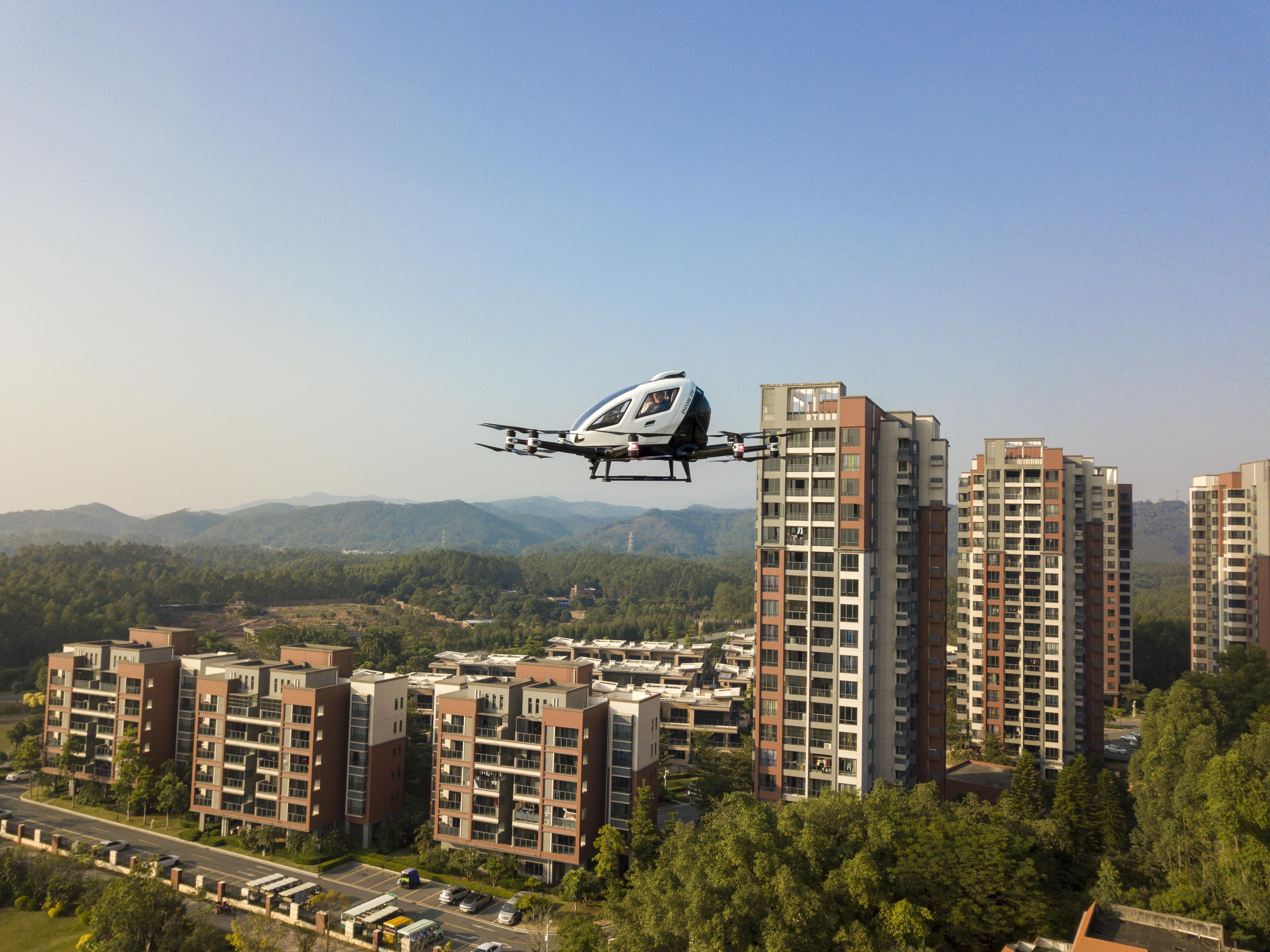 aerial tourist fying eVTOL