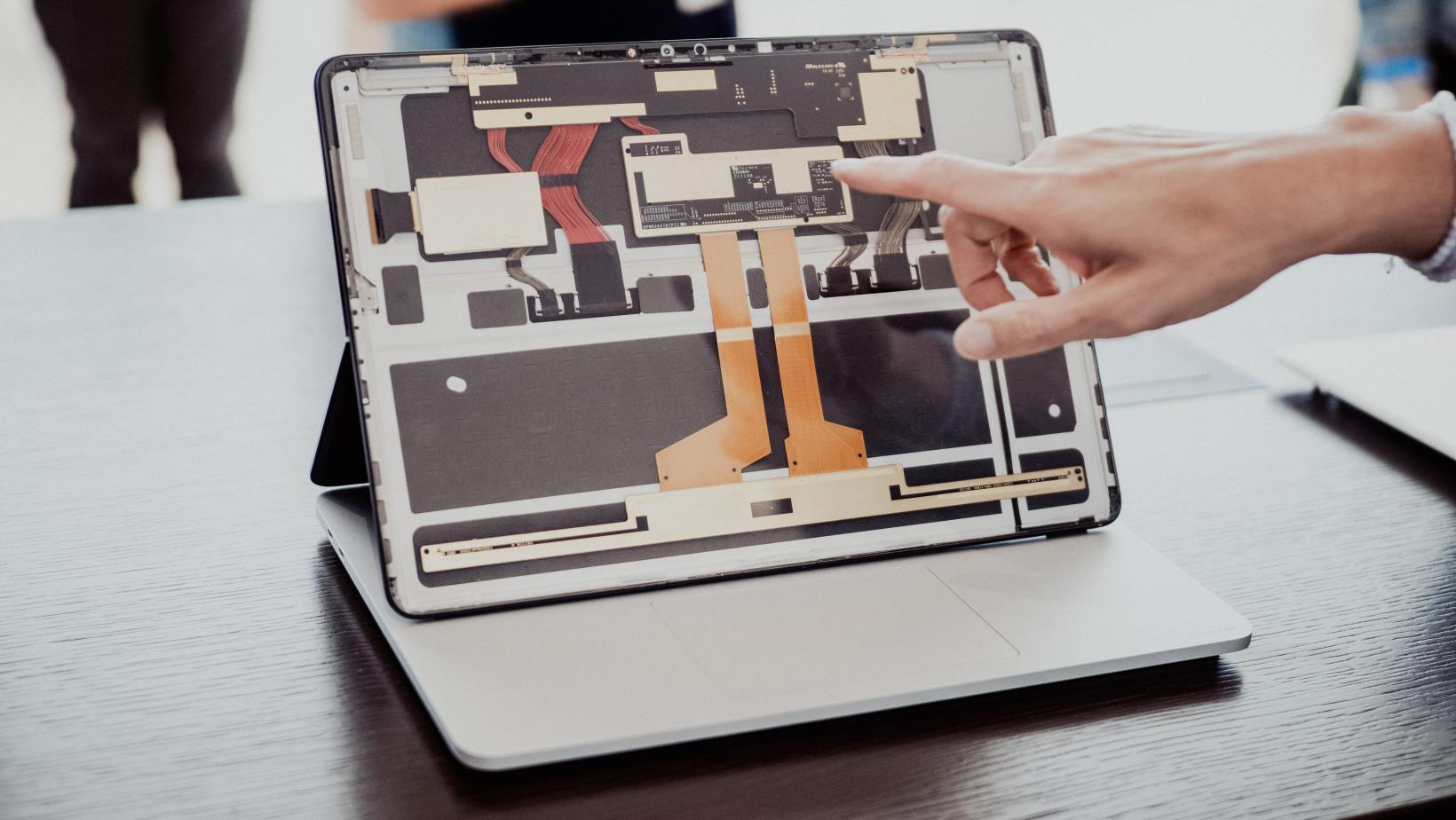 Surface Laptop Studio internals