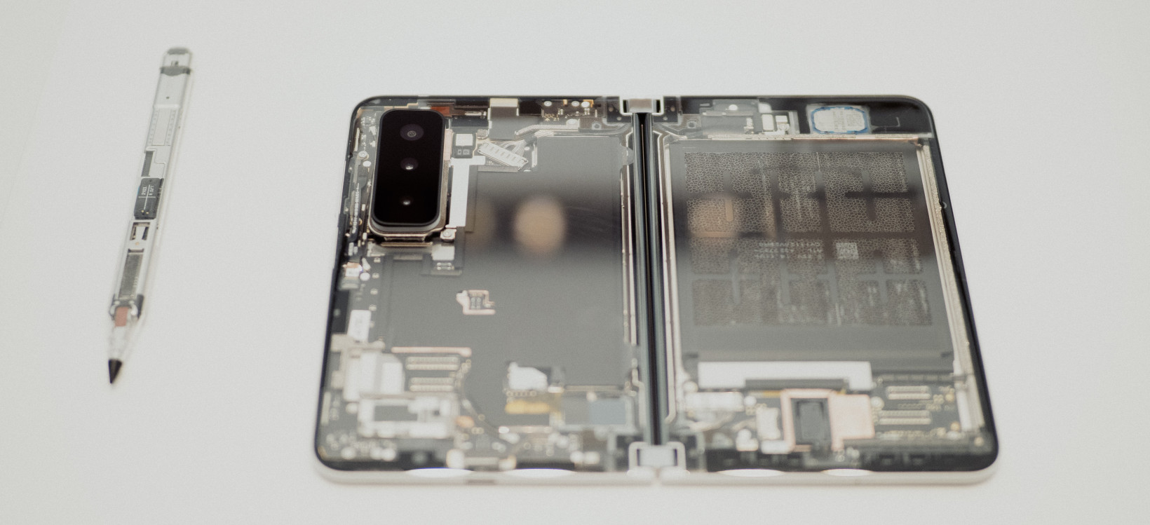 Surface Duo 2 Internals